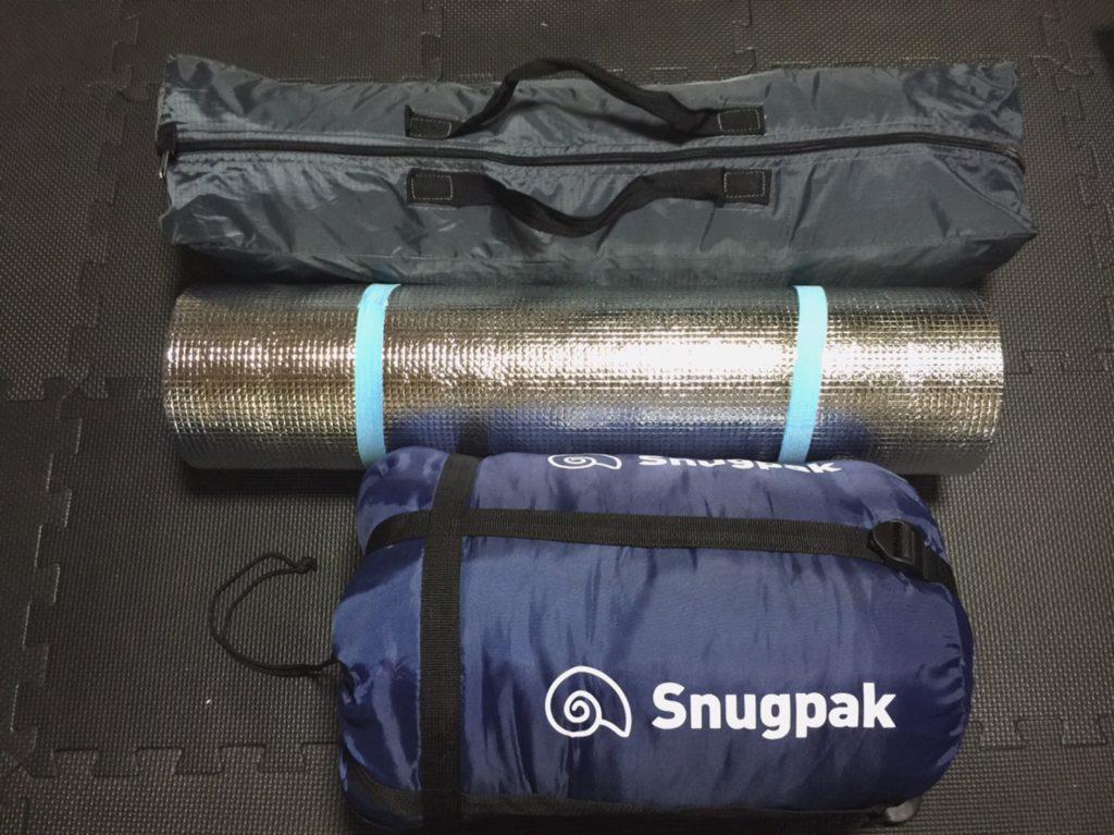 テントと寝袋と銀マット